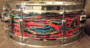 Vintage Rogers Snare in Walopus Psychedelic Red